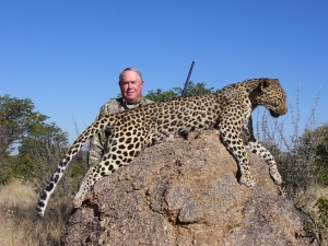 Namibia-138-Butch-leopard-1-2006-300x225