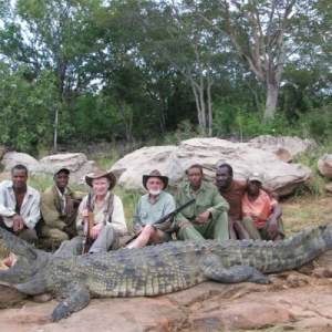 cr0codile-hunt-zimbabwe-01-lxzpmlo5xuozlfmiy9as4yw8nqll0fkd9f8mn6khoo-300x300