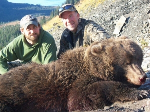 Alaska-194-Brown-Bear-R-Durden-2011-300x225