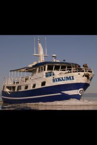 Alaska-156-Boat-200x300
