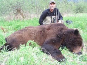 alaska-brown-bear-hunts-02-300x225