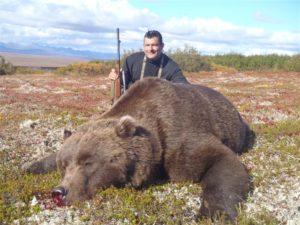 Alaska-233-Capt-Luis-Z-with-9.5-2011-brownie-300x225