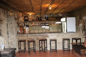 hunter_accommodation_free_state_bar_area-300x200